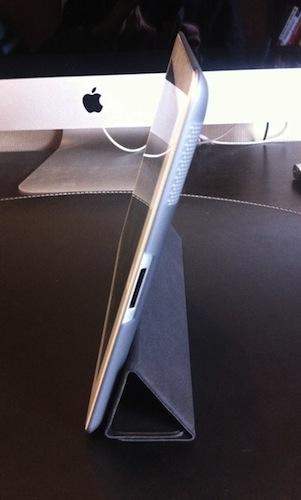 Concours : Coque de protection pour iPad 2 - Coque ZUM et Smart Cover