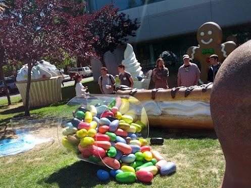 Google I/O est peut être pour les développeurs, mais il y aura certainement quelque chose pour tous - Sculpture d'pot de Jelly Bean sur le campus de Google
