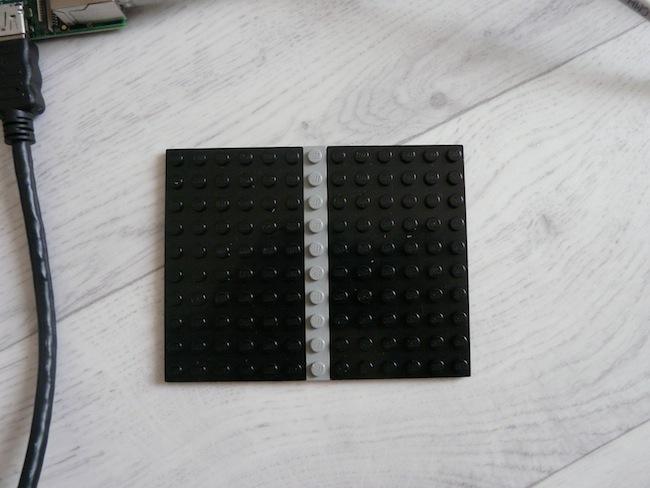 Construisez votre boîtier pour le Raspberry Pi en LEGO - Plaque de LEGO pour le dessous du boîtier