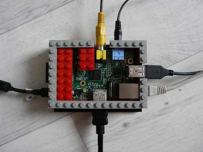 Construisez votre boîtier pour le Raspberry Pi en LEGO - Fin des murs