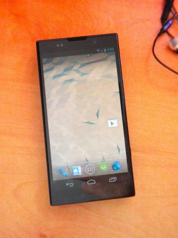 Est-ce que Sony serait en train d'élaborer un téléphone Nexus pour Google ? - Vue de face