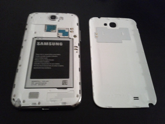 Tour d'horizon du Samsung Galaxy Note II : Une puissance et autonomie de choc - Batterie Li-Ion de 3100 mAh