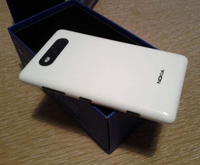 Test du Nokia Lumia 820 : un smartphone élégant et réactif