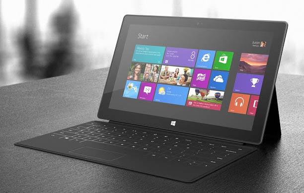 Microsoft Surface RT : une tablette hybride bien surprenante - Possibilité de mettre la tablette en tant qu'ordinateur portable de fortune