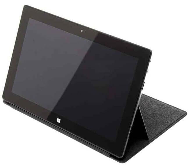 Microsoft Surface RT : une tablette hybride bien surprenante - Support adaptable pour une position assise