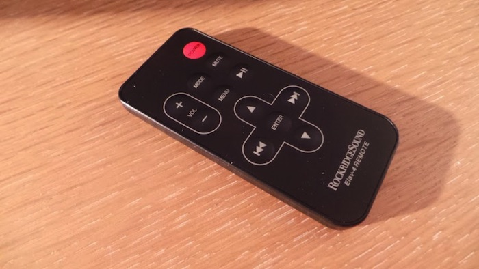 RockridgeSound Elav 4, un dock iPod et iPhone très élégant - Télécommande très fonctionnelle