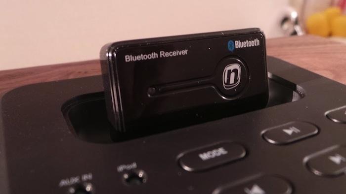 RockridgeSound Elav 4, un dock iPod et iPhone très élégant - Récepteur Bluetooth Novodio FreeBlue 2