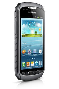 MWC'13 : Samsung présente le Galaxy Express et le Galaxy Xcover 2 - Le  Galaxy Express est conçu pour prendre en charge l'avenir des réseaux de téléphonie, la 4G (Vue de face)