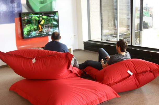 Pourquoi tout le monde veut travailler chez Google ? Ah oui ... voilà pourquoi - Nouveaux bureaux Google à Tel-Aviv