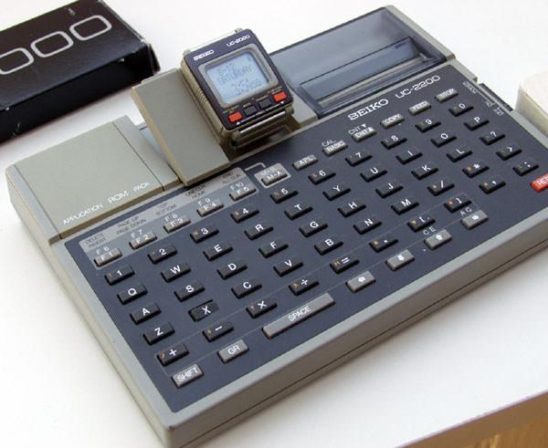 SmartWatch : L'avenir de la technologie ? - Seiko UC-2000 et UC-2200