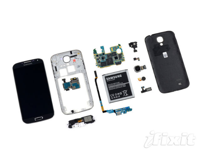 Le Galaxy S4 est aussi facile à réparer que le Galaxy S3 révèle iFixit