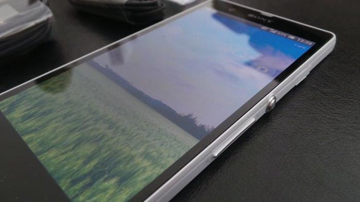 Une surface en verre donne à l'Xperia Z un excellent design