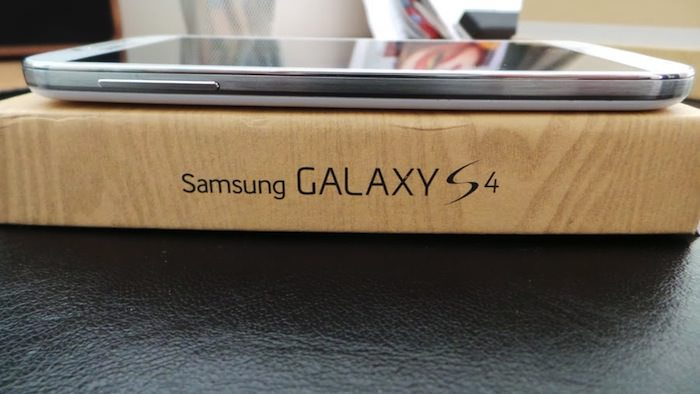 Vue de gauche du Galaxy S4