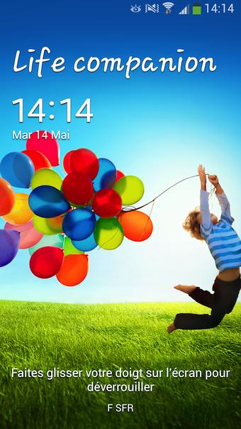 Le Galaxy S4 tourne sous Android Jelly Bean 4.2.2 avec l'interface utilisateur de Samsung, TouchWiz