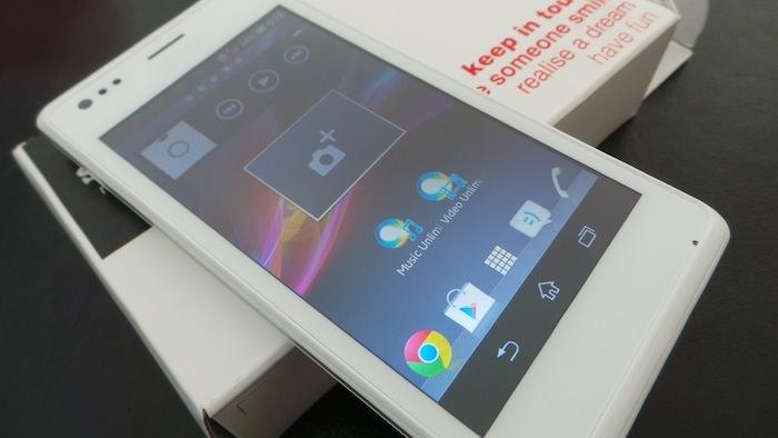 Le Xperia M intègre Android 4.1 et la surcouche Sony