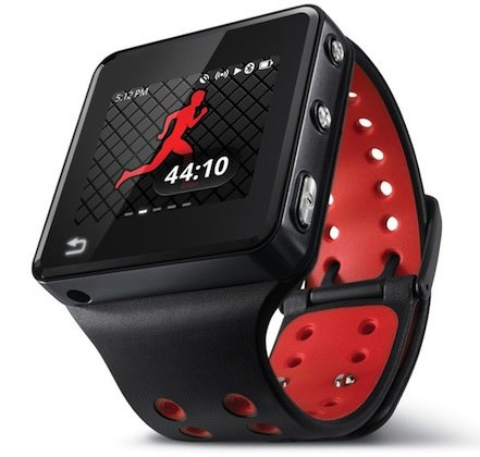 Vue de face de la smartwatch MOTOACTV