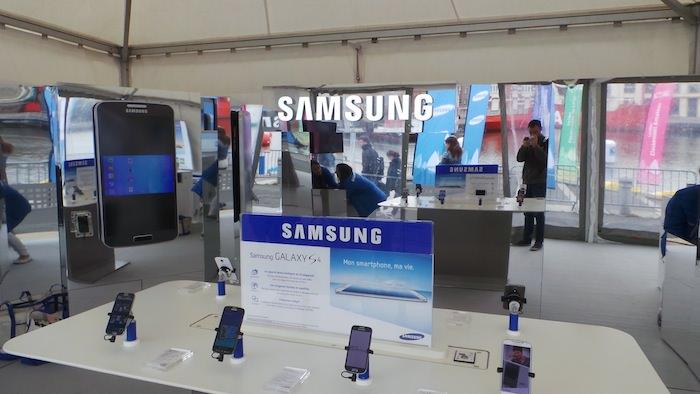 Stand Samsung lors du Tour de France à la voile à Dunkerque