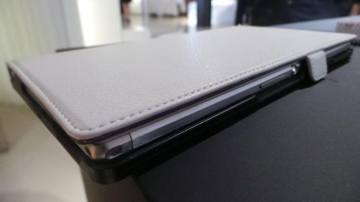 Sony Xperia Z Ultra : un phablet pour tous gouverner. Le Galaxy Note 3 est prévenu
