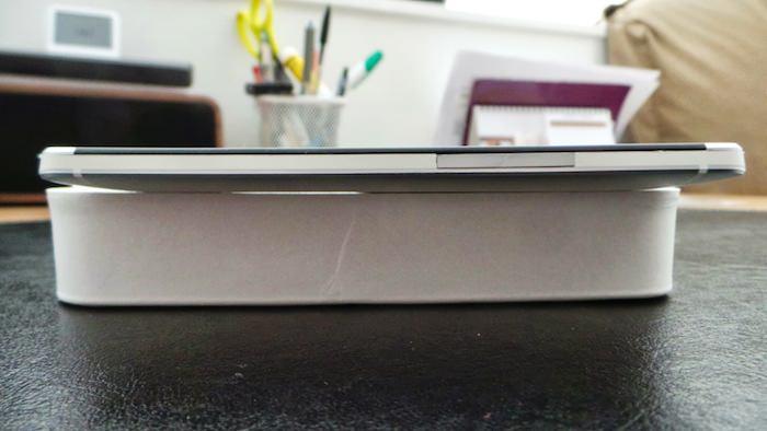 Vue de droite du HTC One