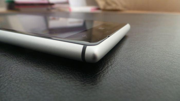 Le Lumia 925 est le plus mince smartphone que Nokia a dévoilé dans sa gamme Lumia