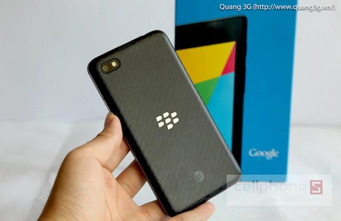 Vue de dos du BlackBerry Z30