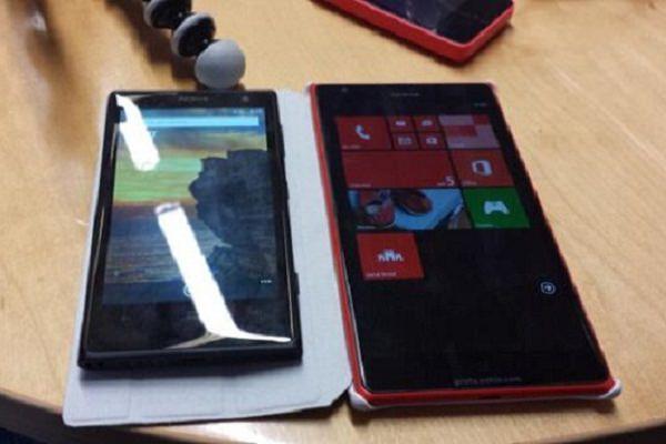 La phablette Nokia, le Lumia 1520 alias Bandit, aux côtés du Lumia 1020