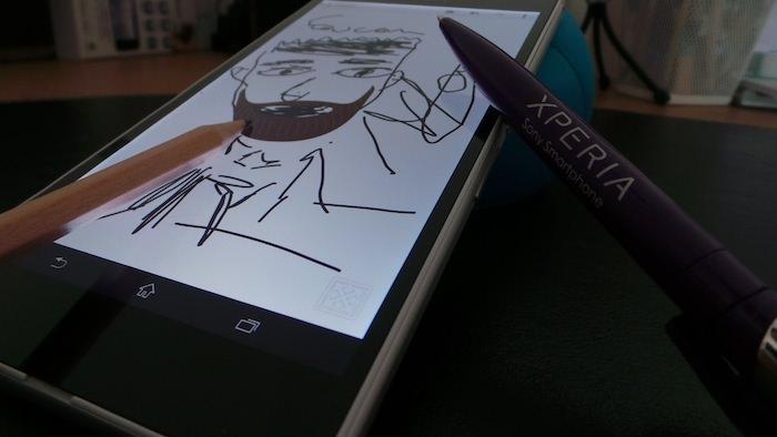 Il est possible de dessiner ou écrire avec votre doigt, un crayon ou un stylet