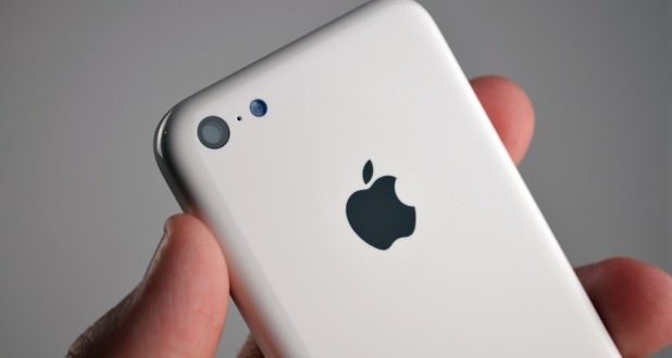 L'iPhone 5C serait en plastique permettant ainsi d'être plus robuste, mais surtout moins cher