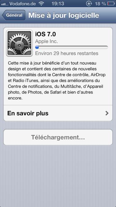 La mise à jour iOS 7 d'Apple est maintenant disponible, tous les regards sont tournés vers ce dernier