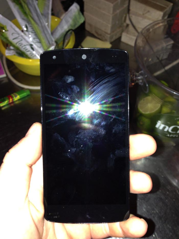 Vue de face du Nexus 5
