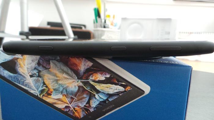 Boutons sur le côté droit du Lumia 1020