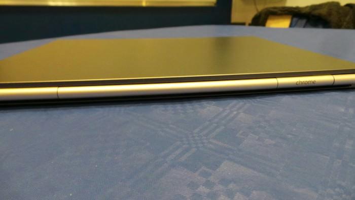 Vue de derrière du Chromebook Pixel