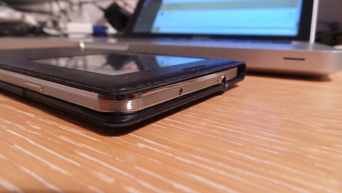 La S-View Premium Cover pour le Galaxy Note 3 est très fine