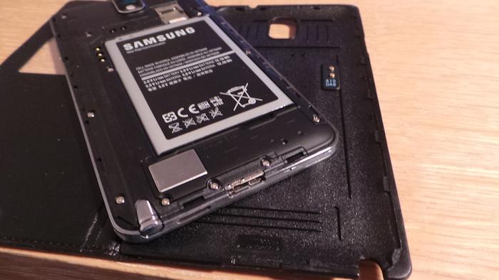 La S-View Premium Cover remplace la coque arrière du Note 3