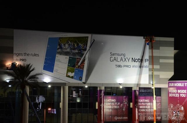 CES'14 : la Galaxy Note Pro la Galaxy Pro Tab repérés sur un panneau publicitaire