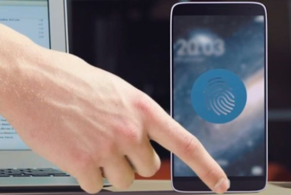 Galaxy S5 : un capteur d'empreintes intégré dans l'écran et pas de scanner rétinien ?