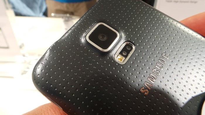 Moniteur de fréquence cardiaque sur le Galaxy S5