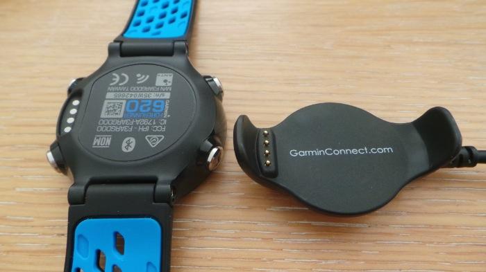 Le connecteur de la montre permet à celle-ci de rester mince