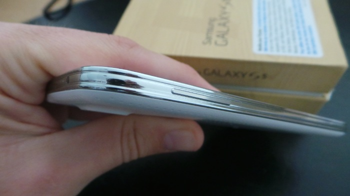 Galaxy S5 : bord gauche