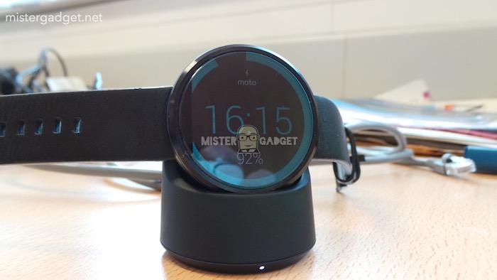 Moto 360 : dock de rechargement sans fil