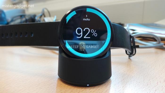 Moto 360 : en pleine recharge