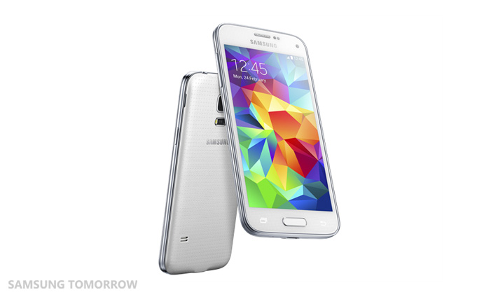 Samsung Galaxy S5 Mini : vue de face/dos