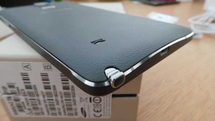 Samsung Galaxy Note 4 : vue de dessous