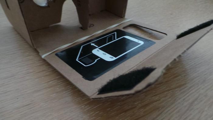 Google Cardboard : rabat pour le smartphone