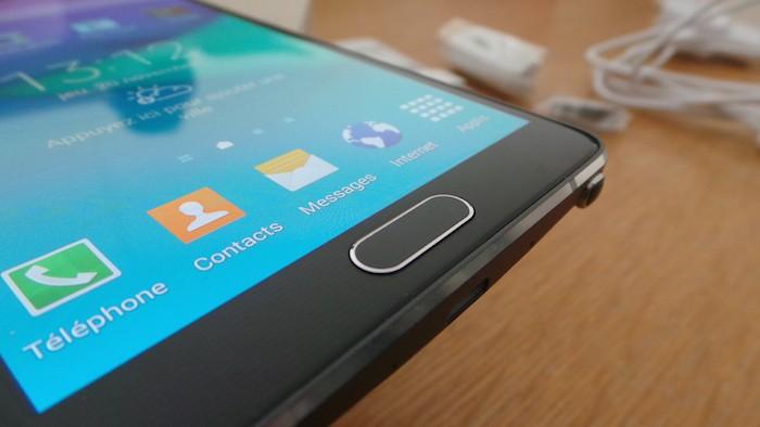 Galaxy Note 4 : bouton d'accueil en façade