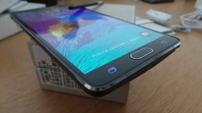 Galaxy Note 4 : malheureusement le smartphone n'est pas étanche