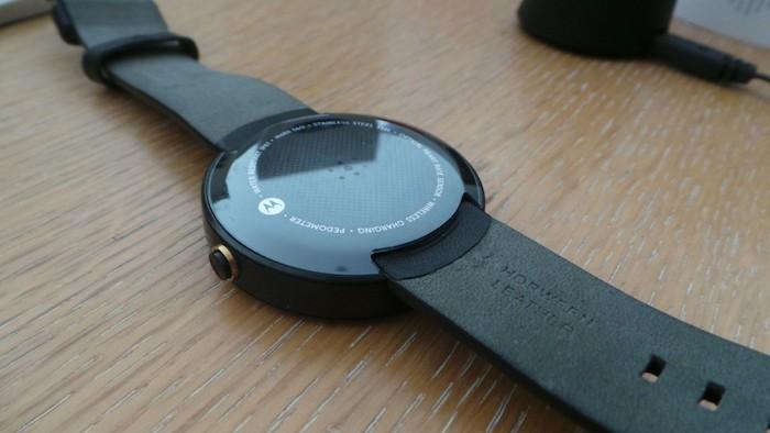 Moto 360 : bracelet en cuir noir