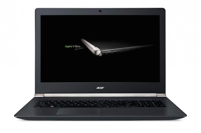 Acer Aspire V17 Nitro : vue de face
