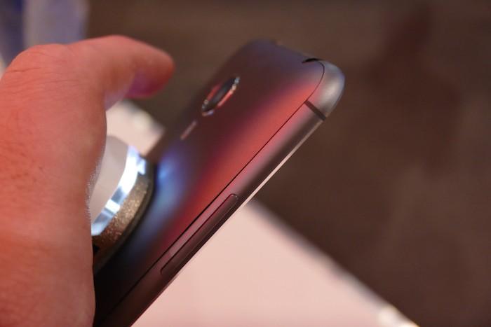 Meizu MX4 : tranche latérale