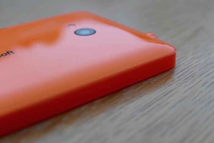 Lumia 640 : vue de gauche
